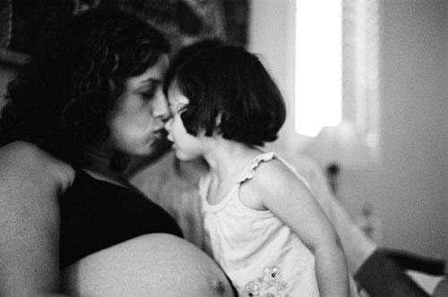 Мать и дочь любят 300x199 Loveservations: Мать и дочь.